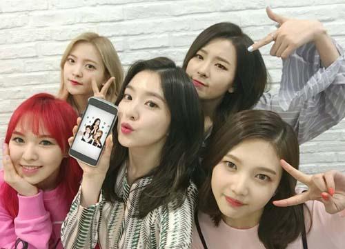 韩人气女团Red Velvet新节目上线 VICTORY直播开启