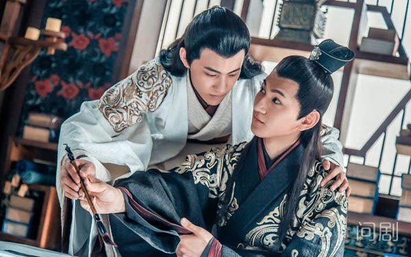 晏紫东蒋梓乐接吻什么情况 两个人私下关系好吗