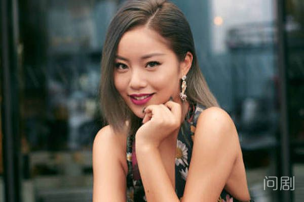 王菊是英模的艺人吗 单方面发声明解约引热议