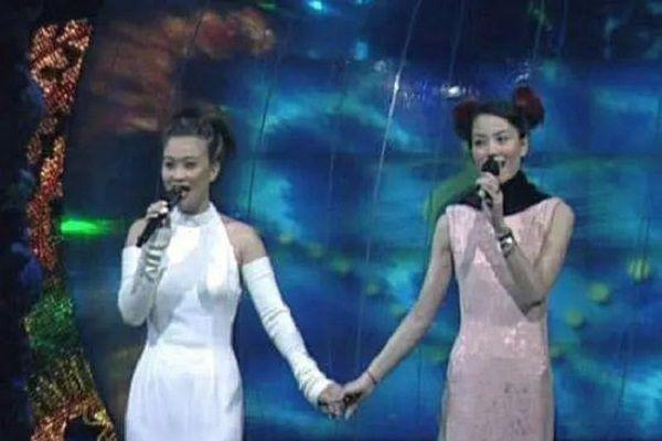 时隔22年,王菲那英再度联手唱响《夺冠》赞歌