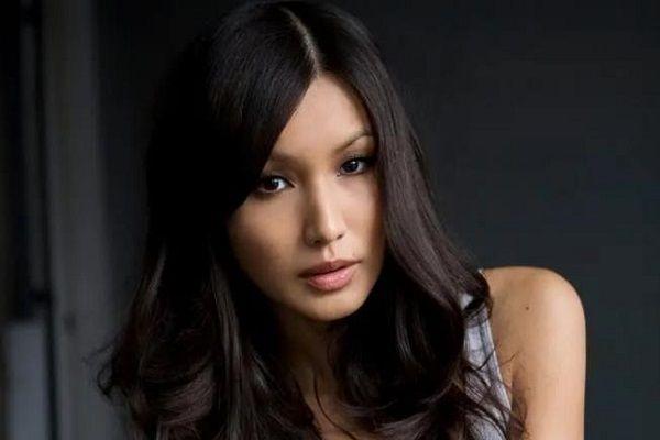 漫威《永恒族》顺利杀青! 瑟西女演员嘉玛·陈带帽庆祝