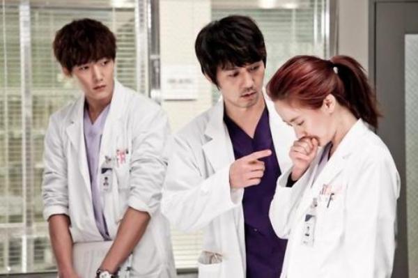 医院急诊室的欢喜冤家 宋智孝本色出演《急诊男女》
